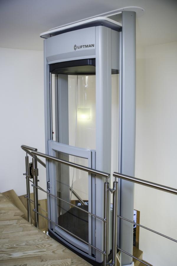 Liftman DUO – instalace schodiště, horní patro